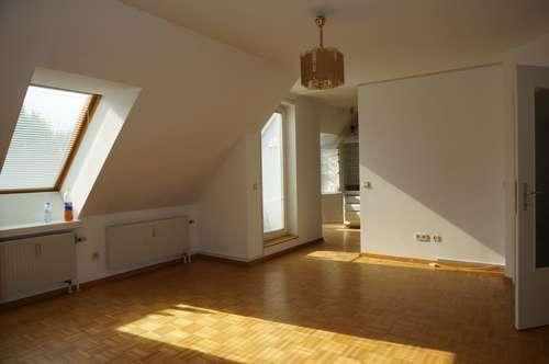 Große Maisonetten Wohnung im grünen zu Verkaufen!