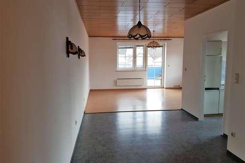 3- Zimmerwohnung mit großer Terrasse im Zentrum von Pottenstein