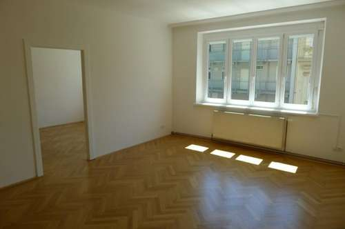 Sanierte 3-Zimmerwohnung direkt neben KF-Uni! Video auf der Homepage!
