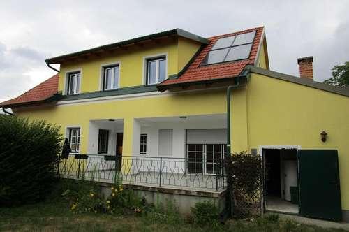 Zweifamilienhaus zur Miete - EG Wohnung, Top 1 im wunderschönen Klement
