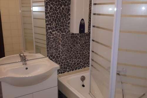 Herzige Wohnung in der Hochsteingasse, auch als 2er Wohngemeinschaft geeignet !