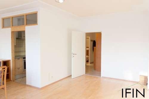 Helle, schöne 3-Zimmer Wohnung mit Tiefgarage und Loggia - südlich von Wien