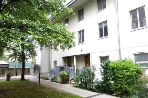 Helle 4-Zimmer-Gartenwohung mit KfZ Stellplatz in familienfreundlicher Grünruhelage, Nähe SMZ OST