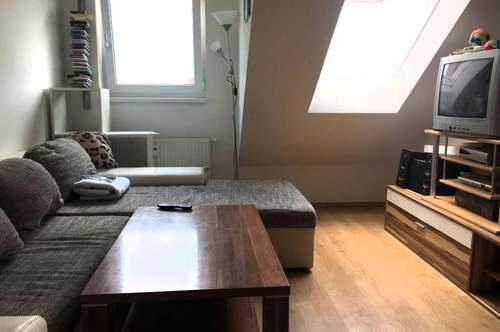 ansprechende  2 Zimmer Dachgeschosswohnung Nähe FH Joanneum