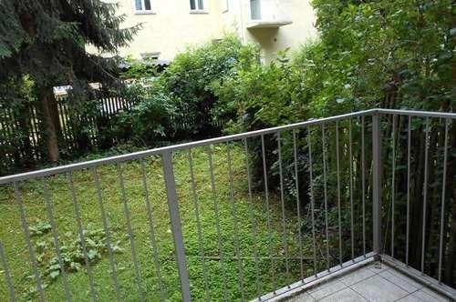 Nahe CityPark  schön sanierte 1-2ZI+Küche klassische Altbauwohnung Balkon ruhige Innenhoflage