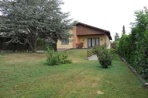 Haus mit südseitigem Garten und Blick auf die Burg Liechtenstein - zu kaufen - 2344 Maria Enzersdorf