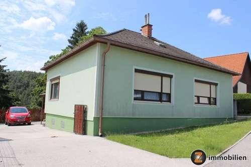 Nähe Bernstein: Wohnhaus mit Nebengebäude in ruhiger Lage