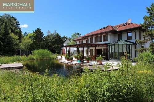 Großzügige Villa im Sachsenviertel mit Parkgarten und Schwimmbiotop