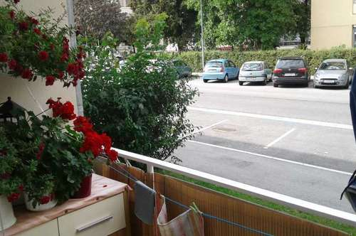 1 Monat Mietzinsfrei! 3-Zimmer Erdgeschoßwohnung mit Balkon Nähe Hallenbad
