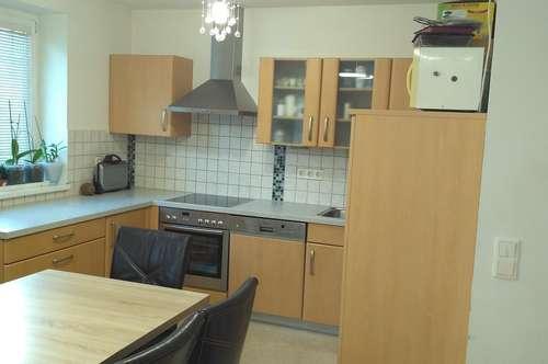 PRIVAT - 3-Zimmer Wohnung mit Tiefgarage zu vermieten