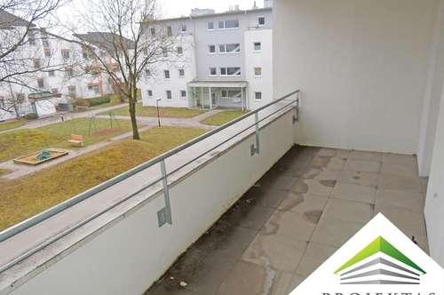 Moderne 3 Zimmerwohnung mit großer Loggia!