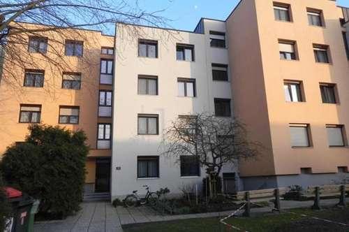 Kaufgelegenheit! Etagen-Wohnung mit Loggia in Ried im Innkreis