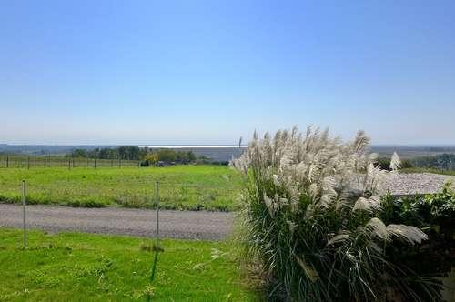 Provisionsfrei! Neuwertige Gartenwohnung mit Seeblick in Jois zu verkaufen!