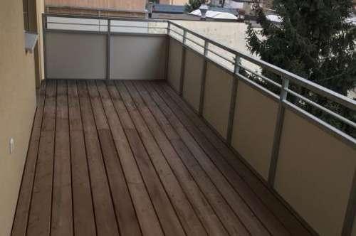 Moderne Wohnung mit Balkon und Tiefgaragenplatz