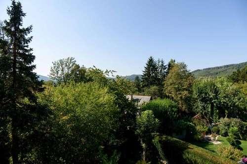 Erhabener Fernblick und ungetrübte Lebensqualität mit West-Terrasse in Waldrandlage