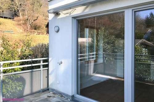 Moderne Wohnung + Terrasse und Garten