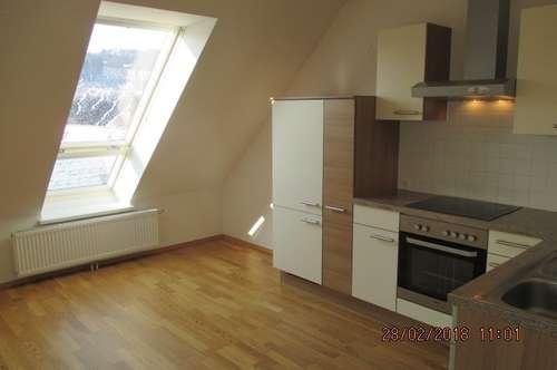 8261 Graz - Sinabelkirchen: Helle Wohnung in Grünlage