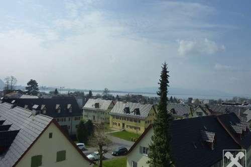 Aussicht pur: Über den Dächern von Lochau