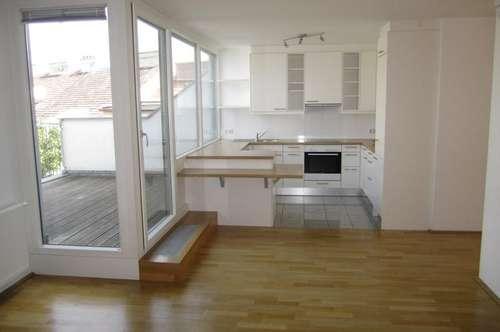 Moderne Dachterrassen-Wohnung in schönem Altbau - unbefristet zu mieten in 1030 Wien
