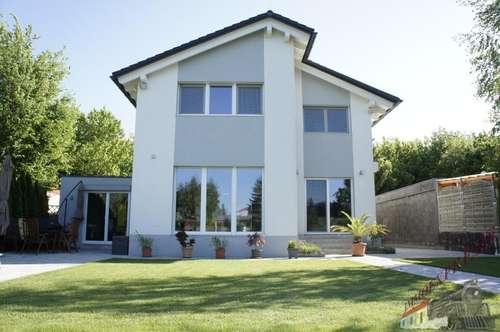 Modernes lichtdurchflutetes Einfamilienhaus am See zu verkaufen!!
