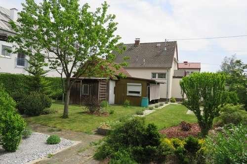 Einfamilienhaus inkl. großzügigem Grundstück in beliebter Siedlungslage