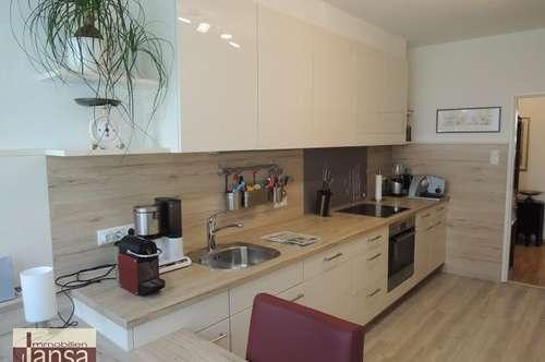 Behagliche, großzügig aufgeteilte 3-Zimmer-Wohnung mit S/O-Loggia