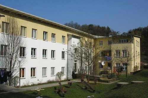 Leben und wohnen auf hohem Niveau mit Wohlfühlgarantie - sehr moderne 3-Zimmer-Wohnung mit herrlicher Loggia - provisionsfrei!