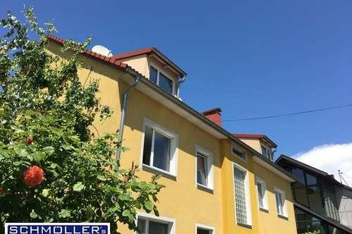 3-Zimmer-Dachgeschoss-Wohnung mit Parkplatz&Gartennutzung