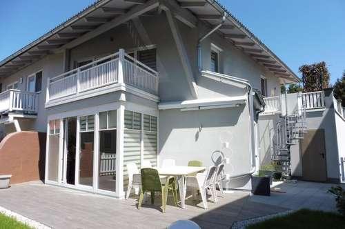 Elegantes Eckreihenhaus mit sehr guter Ausstattung in sonniger und ruhiger Wohnlage