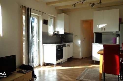 Möblierte 2-Zi-Wohnung mit sonnigem Balkon