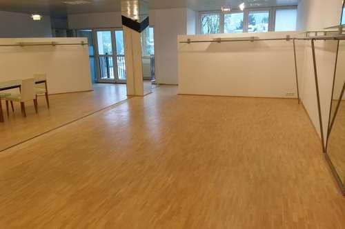 120 m² SCHAURAUM in der FASHION MALL Salzburg, hell, großzügig
