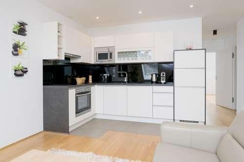 +++ fully furnished +++Möblierte Dach-Wohnung mit Terrasse +++