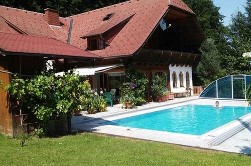 Größzügiges Haus in Pinsdorf mit Pool und großem Gründstück in Pinsdorf am Vöcklaberg