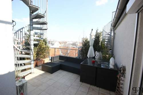 SUPER! Dachgeschoss-Maisonnette + 2 Dachterrassen 20 m² und 26 m² + traumhafter AUSBLICK