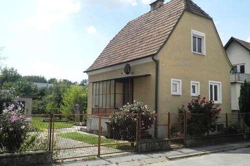 Kleines, nettes Häuschen mit großem Garten in zentraler, ruhiger Wohnlage in Spillern!