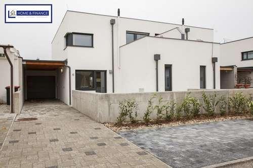 Exklusive- Neuwertige Doppelhaushälfte in Ruhelage- Garage + Carport