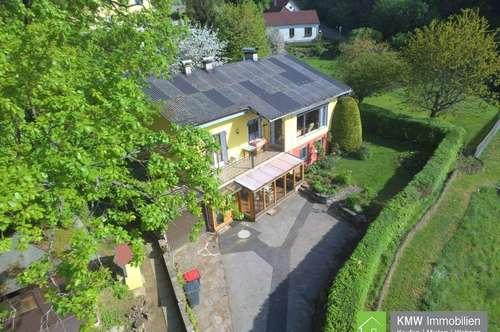 RUHE + AUSSICHT + LAGE: Wohnhaus im Dunkelsteinerwald