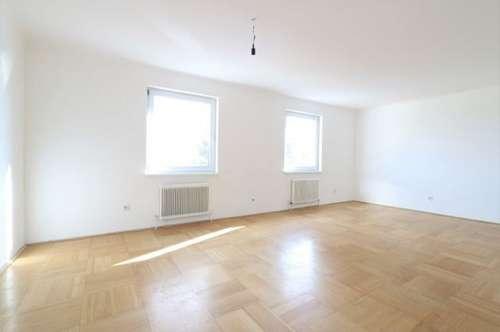 Geräumige 5-Zimmer-Wohnung im 3. Liftstock mit tollem Fernblick, Loggia und Autoabstellplatz/12