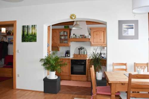 Wunderschöne 3 Zi.Wohnung mit Balkon und Carport in Oberplainfeld
