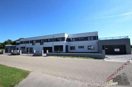 ERSTBEZUG/ Exklusives 5 Zimmerwohnung mit Terrasse/Garten in ruhiger Lage