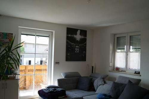 Neuwertige 2 Zimmer Wohnung in ländlicher Lage
