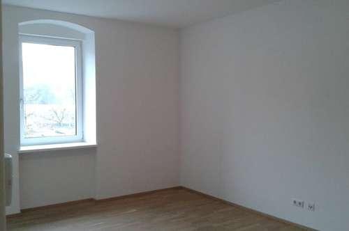 Moderne 2-Zimmer-Wohnung mit Domblick!