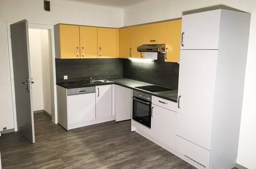 4-Zimmer Wohnung mit Balkon direkt im Zentrum (8010)! Perfekt für 3er WG! Generalsaniert und provisionsfrei!