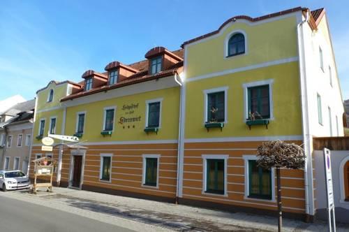 Traditionsgasthof im historischen Stiftsort