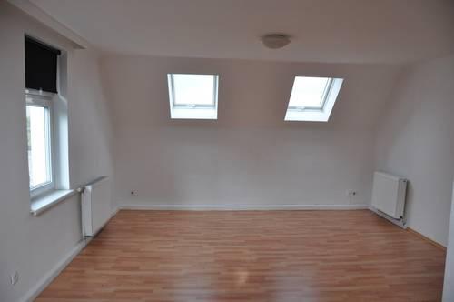 tolle, helle und leistbare Dachgeschosswohnung in Maria Enzersdorf