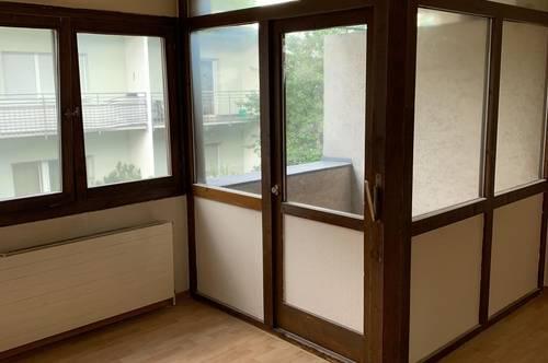 Ein kleines Büro im Saggen