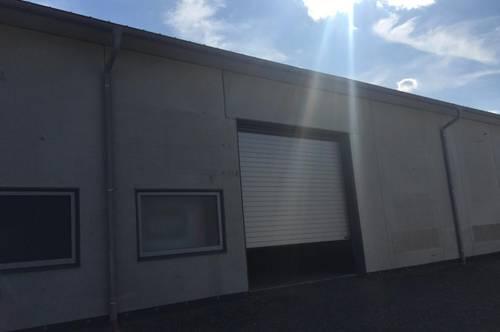 Halle, Garagenboxen, Lagerflächen,  Self Storage Nähe Bahnhof Tullnerfeld