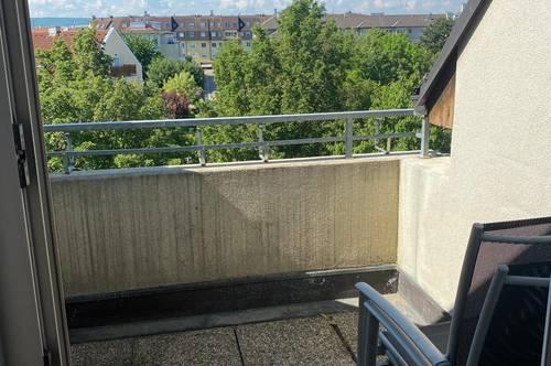 Dachgeschosswohnung Nähe Hauptbahnhof im Grünen *Garagenplatz *Balkon