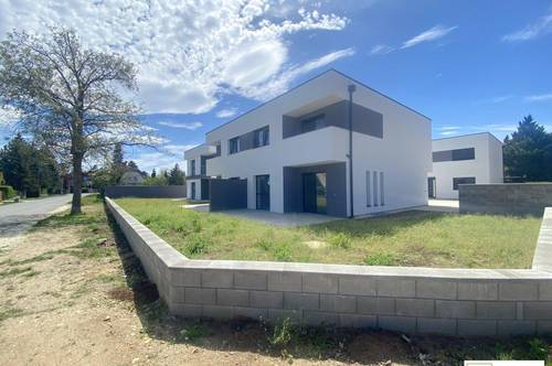 *Eckgrundstück* Exklusive Neubau-Doppelhaushälfte in beliebter Lage in Strasshof - nur wenige Kilometer von Wien