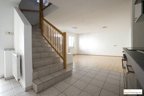 Beeindruckend aufgeteilte 3 - Zimmer Wohnung mit Freifläche in Ruhelage --- inkl. neuer Küche in TOP LAGE